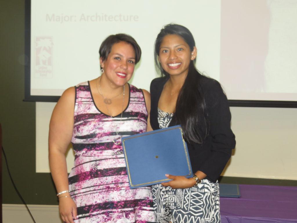 Latino Scholarship Fund Apoia Estudantes