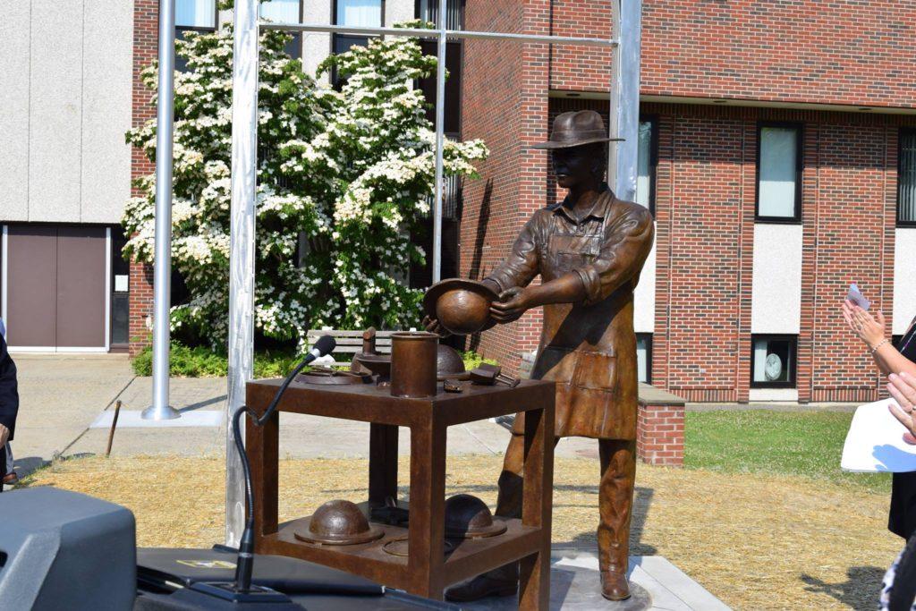 O Heritage Plaza: Celebrando a História e a Diversidade Cultural de Danbury