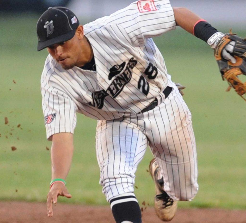 Youth Baseball Clinic Gratuita