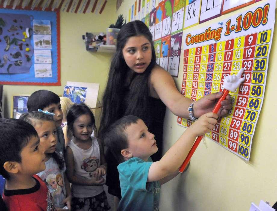Escolas Públicas de Danbury Anunciam a Abertura do Centro de Engajamento da Família e da Comunidade (Centro FACE)