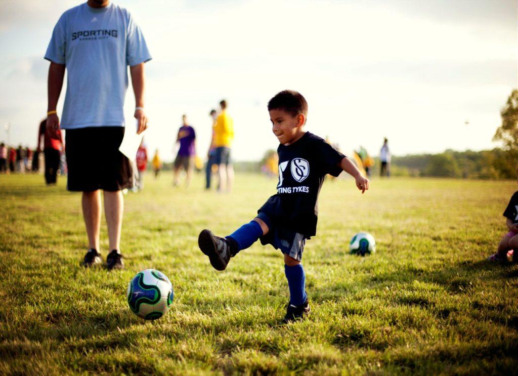 Campamento de Fútbol de Verano para Niños y Niñas