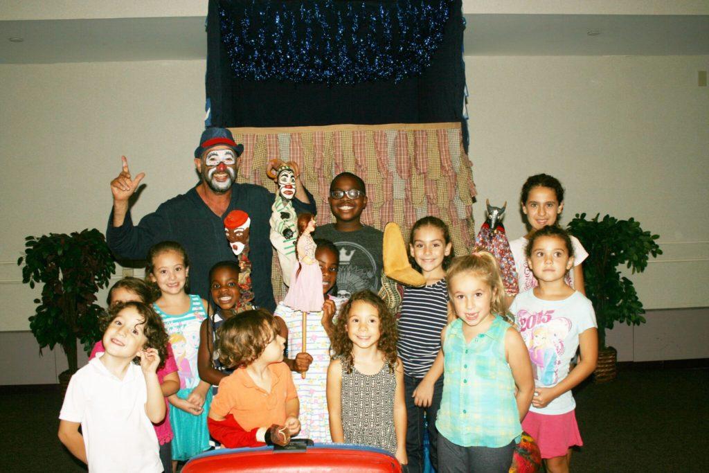 Mamulenga Presepada: Teatro de Fantoches se Apresenta em Danbury