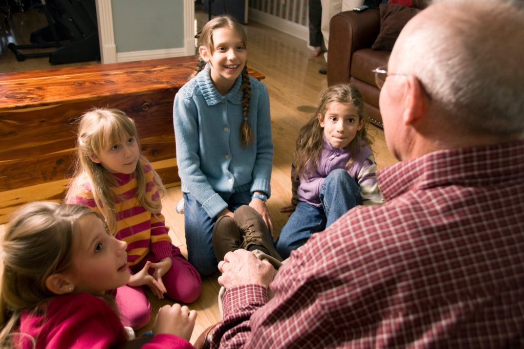 Criando Tradições para as Festas de Fim de Ano Através de Histórias e Alimentos