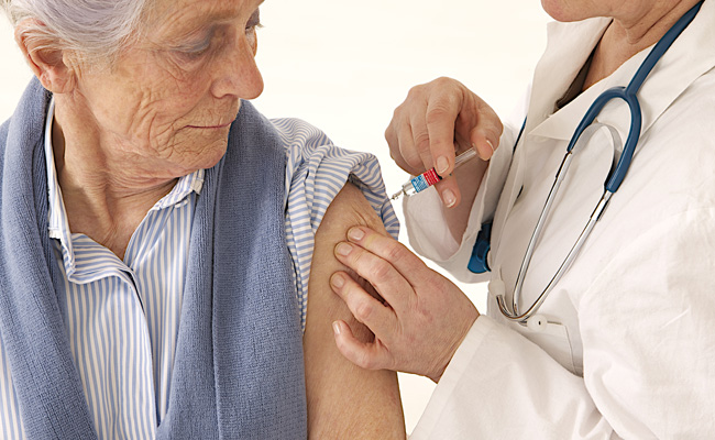 Vacinas Contra a Gripe para Adultos Podem Ajudar a Proteger Idosos