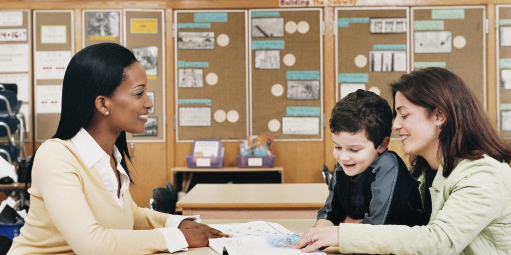 """Seminário """"Juntos Podemos Fazer Mais"""" Integra Escola e Família"""