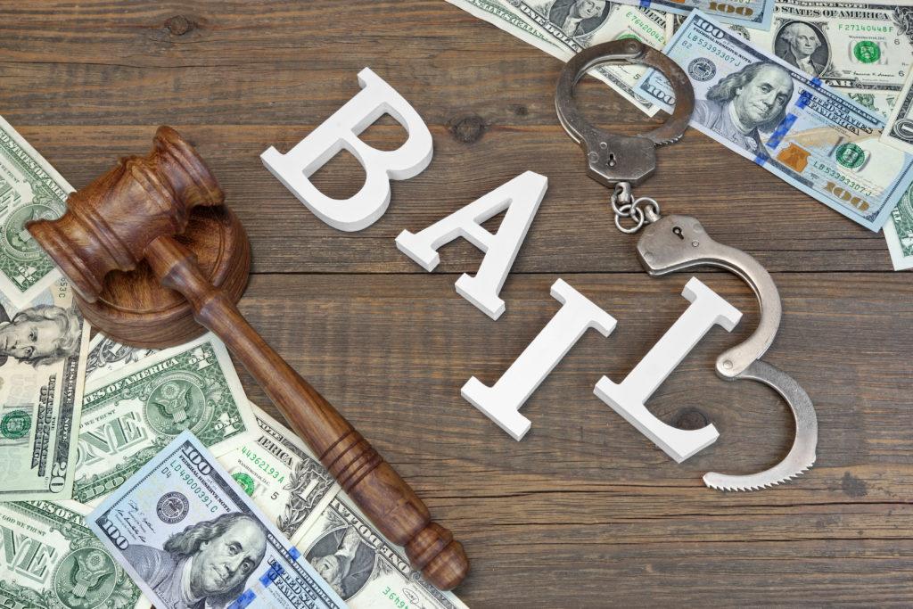 Governador Assina Lei que Reforma o Sistema de Justiça de Pré-julgamento do Estado