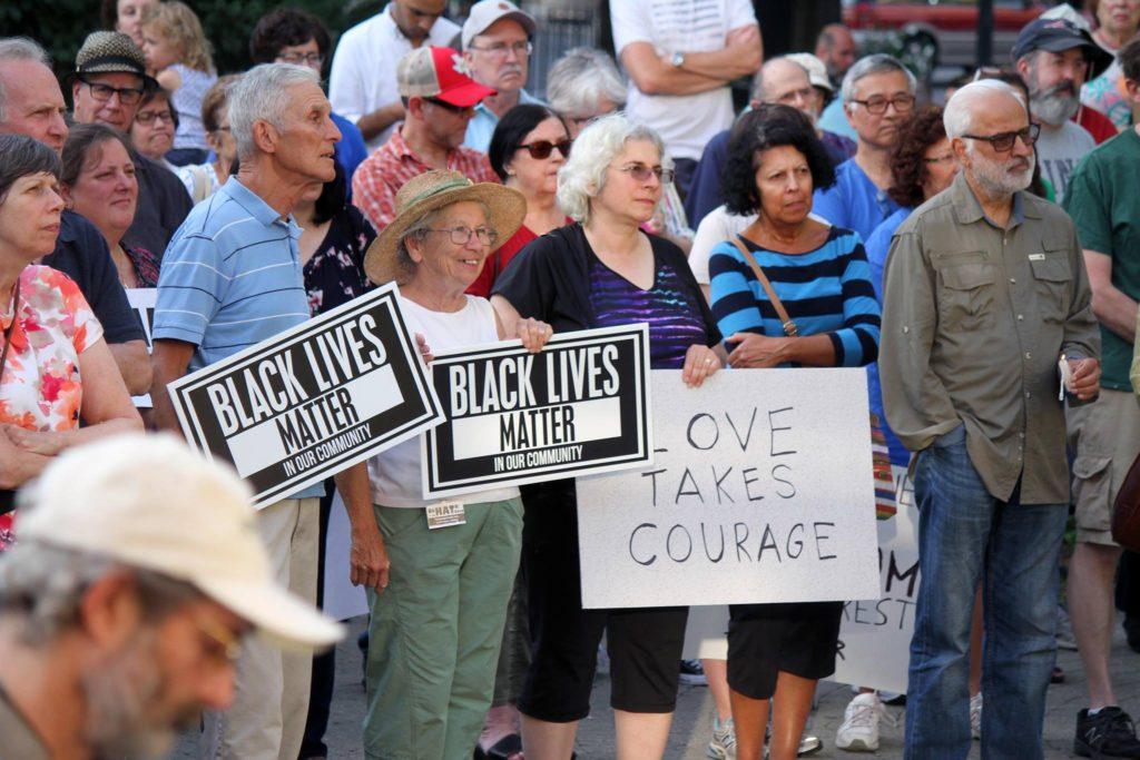Pode não ser oportuno para um grande encontro de supremacistas brancos, mas há ódio em CT