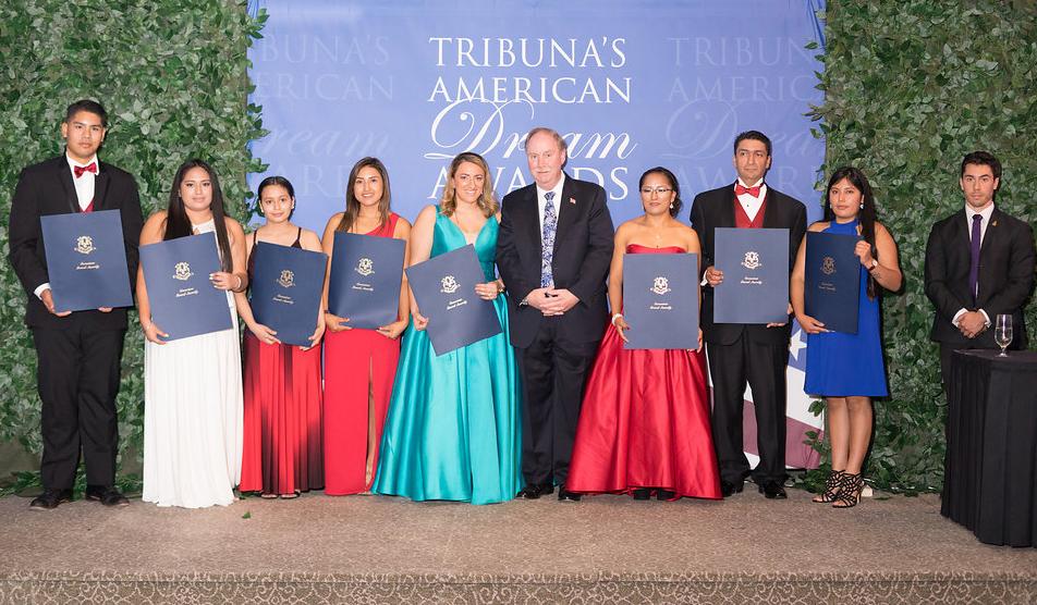 Quarto Prêmio Anual de Gala Sonho Americano Entrega $25,000 em Prêmios