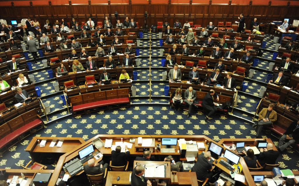 Legislatura Convocada para uma Sessão para Restaurar o Programa de Serviços Sociais