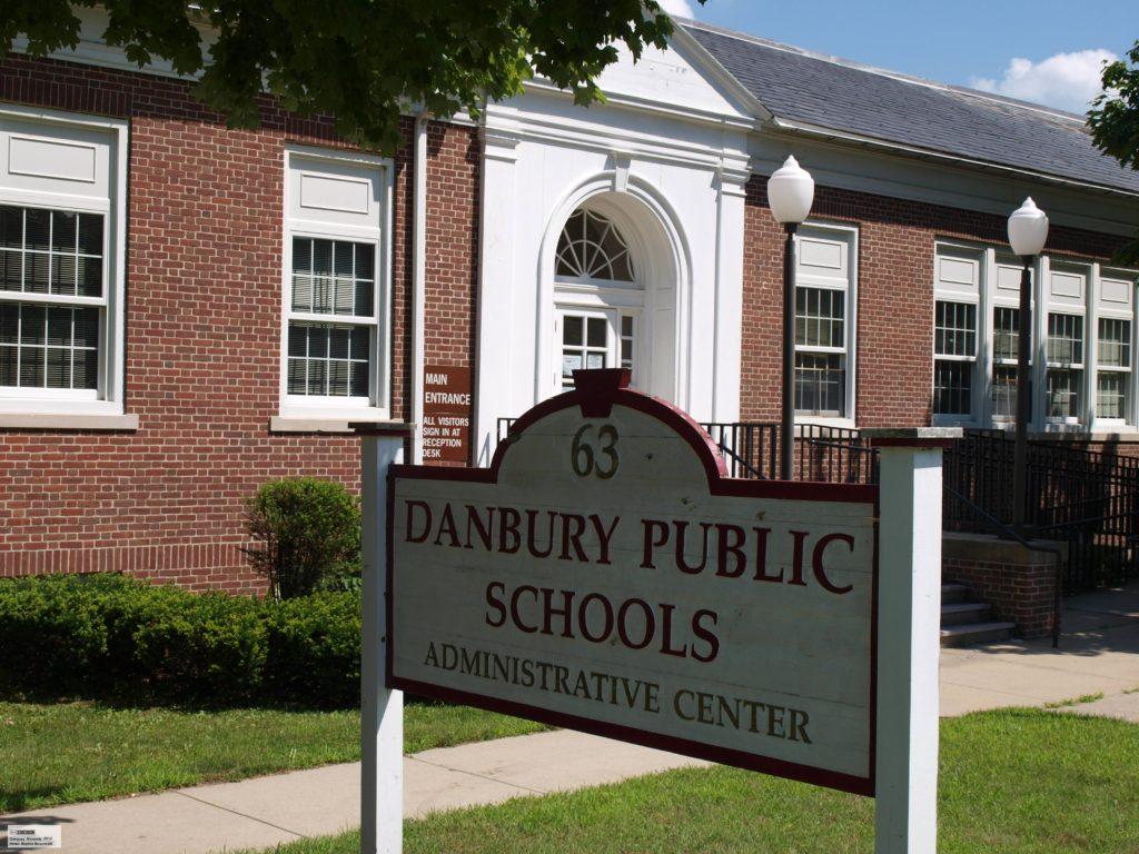 Apoiando o Orçamento das Escolas de Danbury