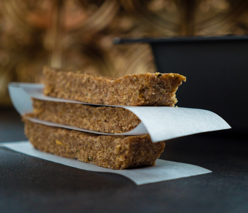 Barras Energéticas de Manteiga de Amêndoa e Nozes-Pecã Sem Cozinhar
