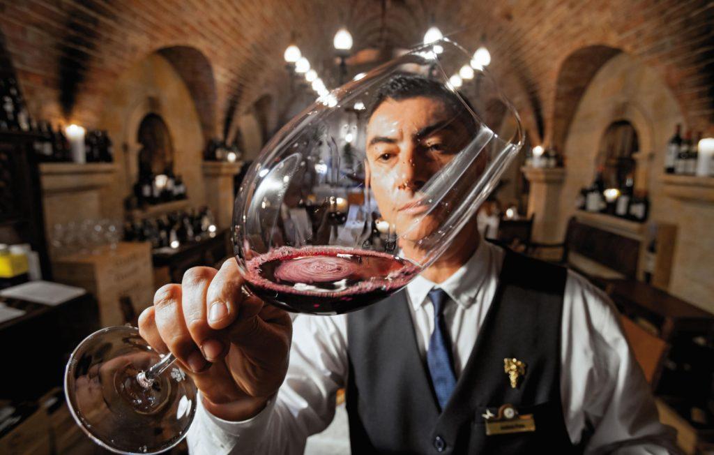 A Presença do Vinho nas Culturas Brasileira e Americana