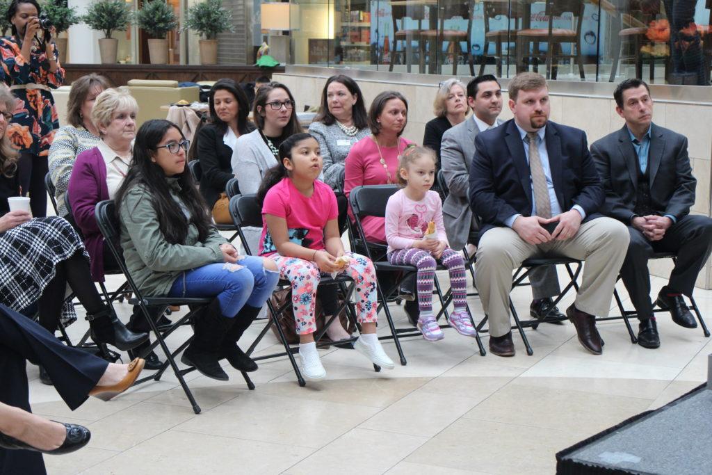 United Way of Western CT Lança o Cora's Kids: Cuidados Infantis Acessíveis para as Famílias Trabalhadoras de Danbury