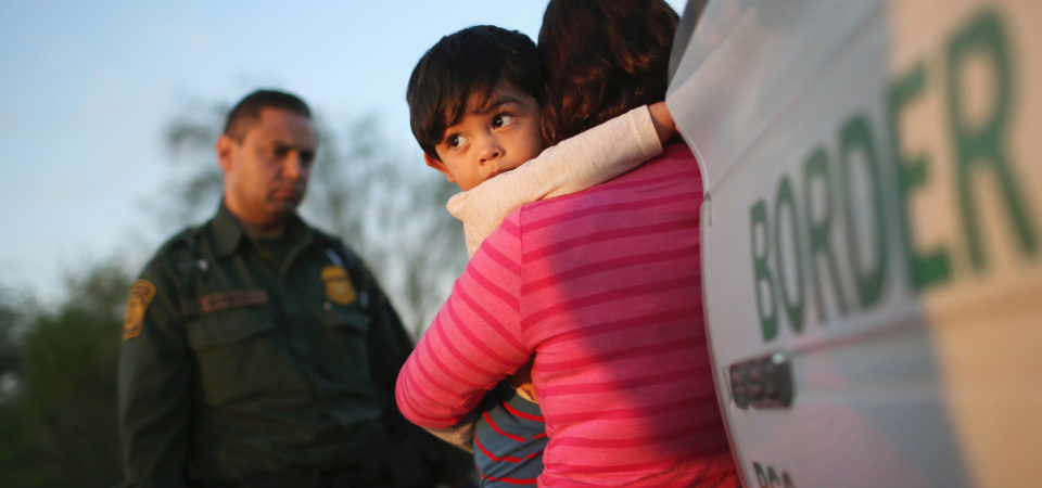 Reunir Crianças Imigrantes com Seus Pais? Não é Tão Fácil.