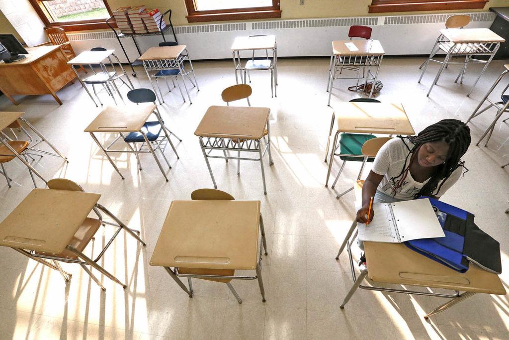 Aborddando Disparidade Racial na Escola