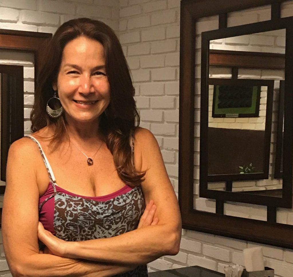 Marian Pabón e a AARP Connecticut Trazem Comida e Risos Gratuitos para Danbury