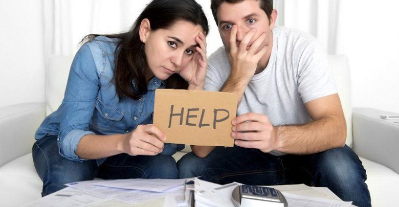 Novo Relatório: 50% das Famílias de Danbury Lutam para Pagar as Necessidades Básicas