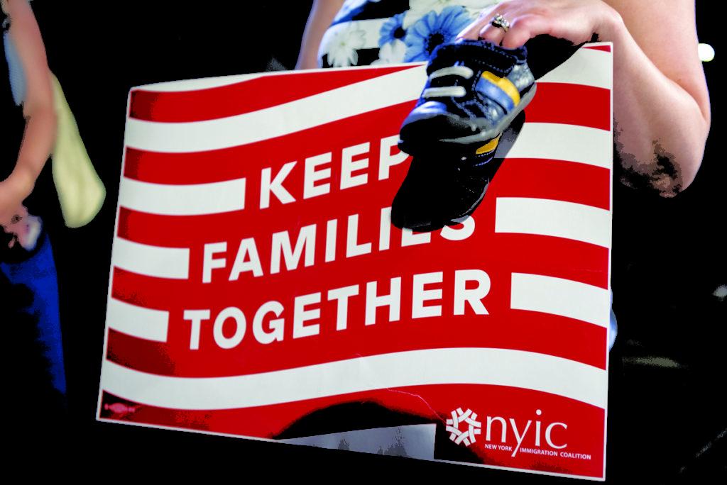 Duas Crianças Imigrantes Reunificadas com seus Pais em CT Recebem Um Ano de Permanência
