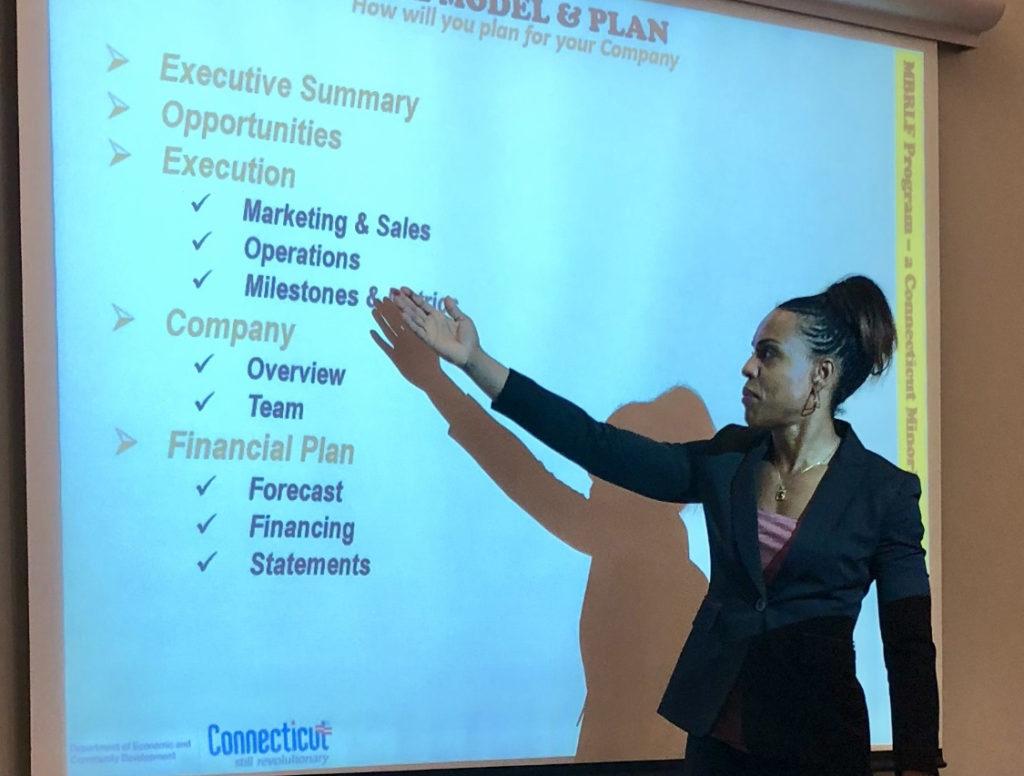 O Departamento de Desenvolvimento Econômico e Comunitário (DECD) de Connecticut e a Black Business Alliance (BBA) Fazem Parceria para Receber Seminários na Região do Capitólio para Empresas Minoritárias