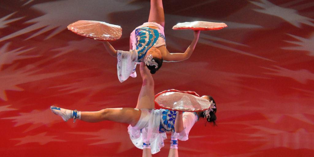 Acrobatas da China: O Novo Circo de Xangai